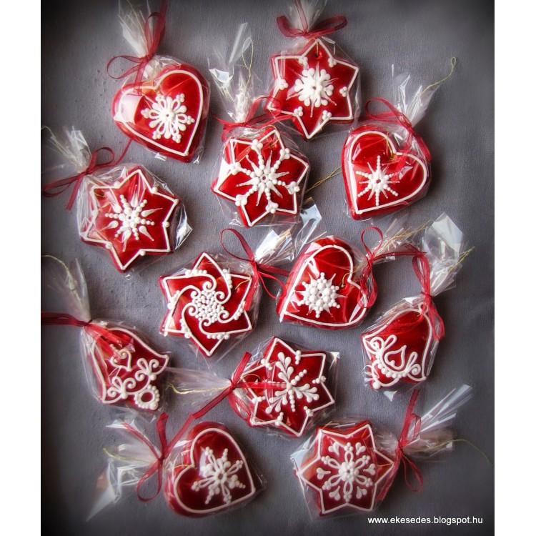 Egyszerű karácsonyi fenyőfüggők szettben