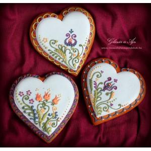 Tavaszi színes virágos szívek mézeskalácsból