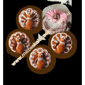 Pávás szalvétagyűrűk mézeskalácsból