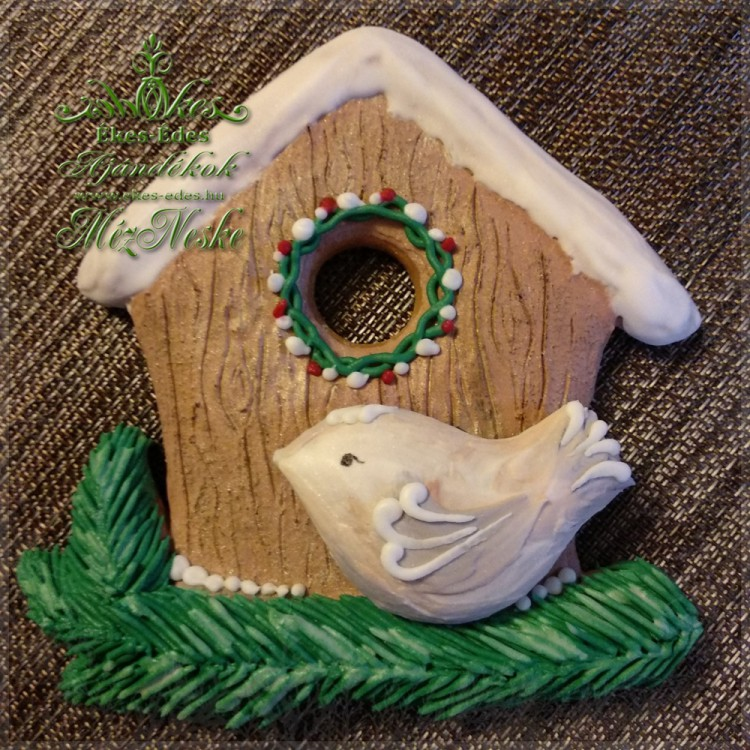 Ajtó-, falidísz mézeskalácsból madárkával, házikóval, téli hangulatban